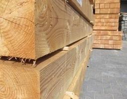 Douglas constructie balken palen